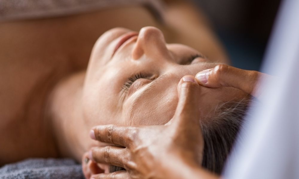 Formation réflexologie faciale et cranienne - Midi Formation